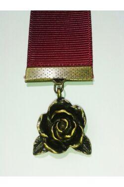 Bordó szalagos könyvjelző rózsa függővel