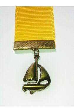 Sárga szalagos könyvjelző hajó függővel