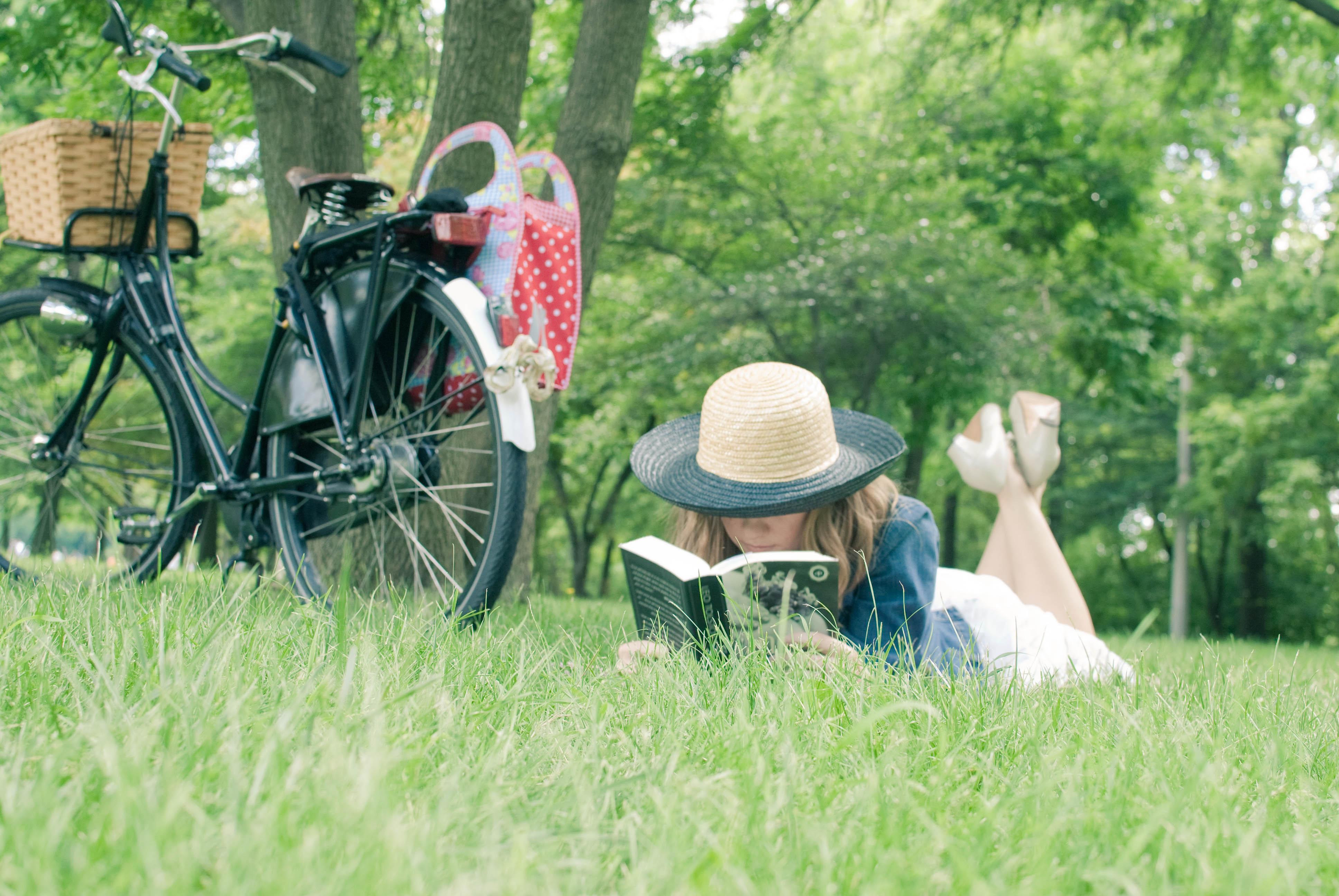 könyv, nyár, nyaralás, olvasás, pihenés